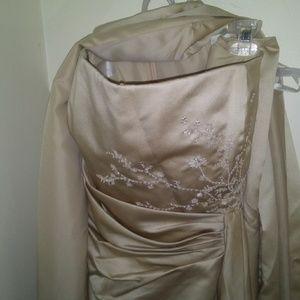 Davids Bridal Champagne Wedding/Bridal Gown